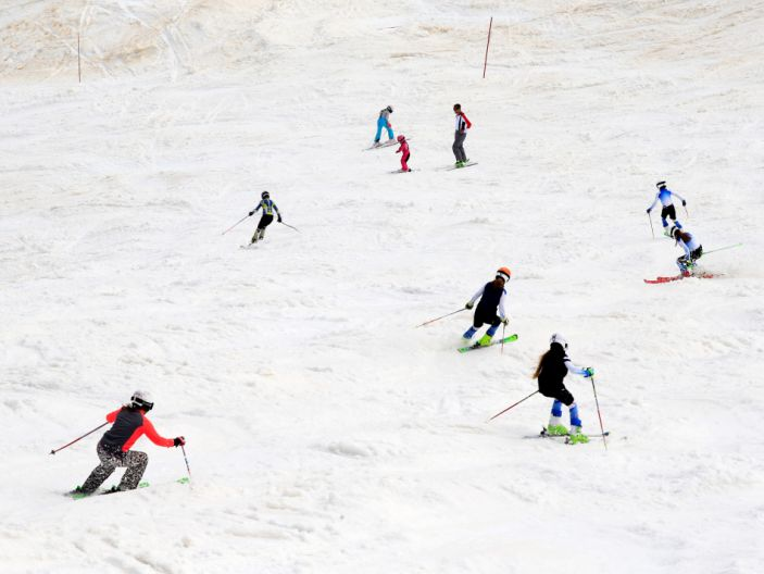 """People ski on the slopes of Kanin after the Slovenian government called an official end to the country's coronavirus disease (COVID-19) outbreak, in Kanin <p class=""""copyright"""">Reuters</p>"""